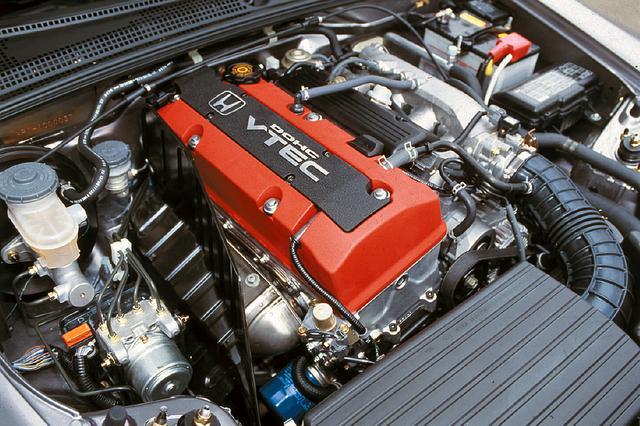 画像: ホンダ得意のVTECを2L 直4DOHCエンジンに採用。許容回転数は9000rpm。爽快感はホンダの面目躍如だ。