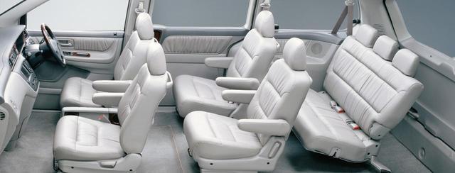 画像: ホンダ ラグレイトのシート配置は2+2+3の7人乗りだった。