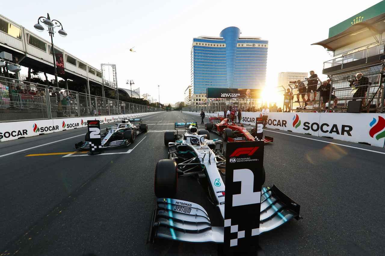 Images : 9番目の画像 - 「F1第4戦アゼルバイジャンGP 予選、メルセデスAMGがフロントロウを独占、レッドブル・ホンダのマックス・フェルスタペンは4位【モータースポーツ】」のアルバム - Webモーターマガジン