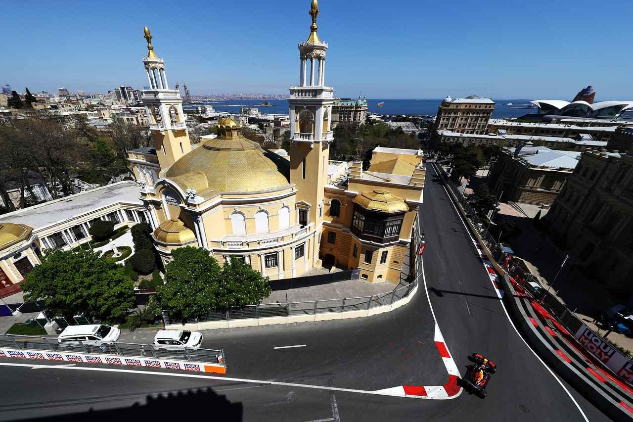 Images : 2番目の画像 - 「F1第4戦アゼルバイジャンGP 予選、メルセデスAMGがフロントロウを独占、レッドブル・ホンダのマックス・フェルスタペンは4位【モータースポーツ】」のアルバム - Webモーターマガジン