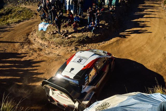 画像: 最終SSで惜しくも表彰台を逃したクリス・ミーク (トヨタ ヤリス WRC)。