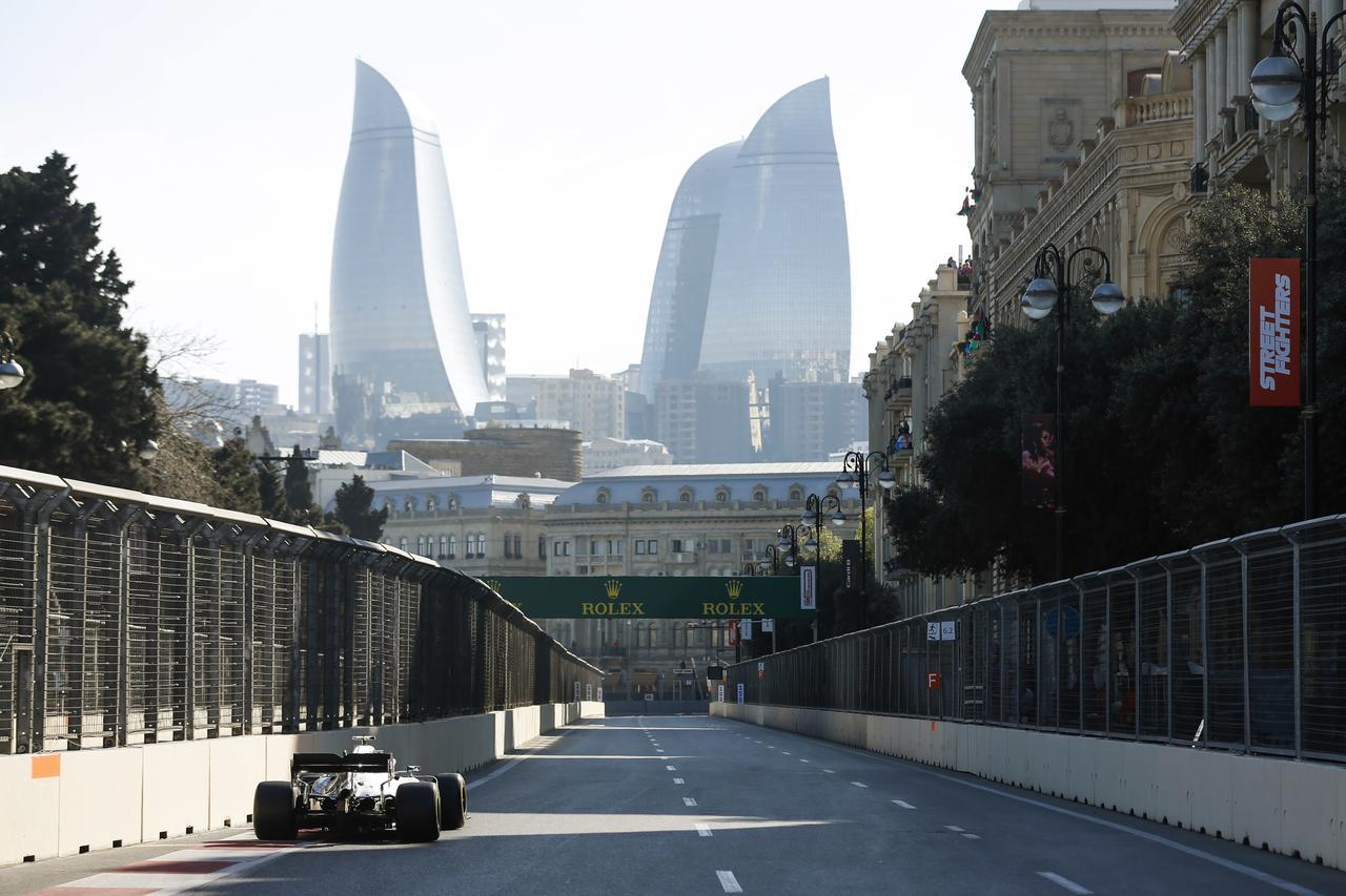 Images : 4番目の画像 - 「F1アゼルバイジャンGP、またもメルセデスAMGが1-2フィニッシュ! レッドブル・ホンダは連続4位【モータースポーツ】」のアルバム - Webモーターマガジン
