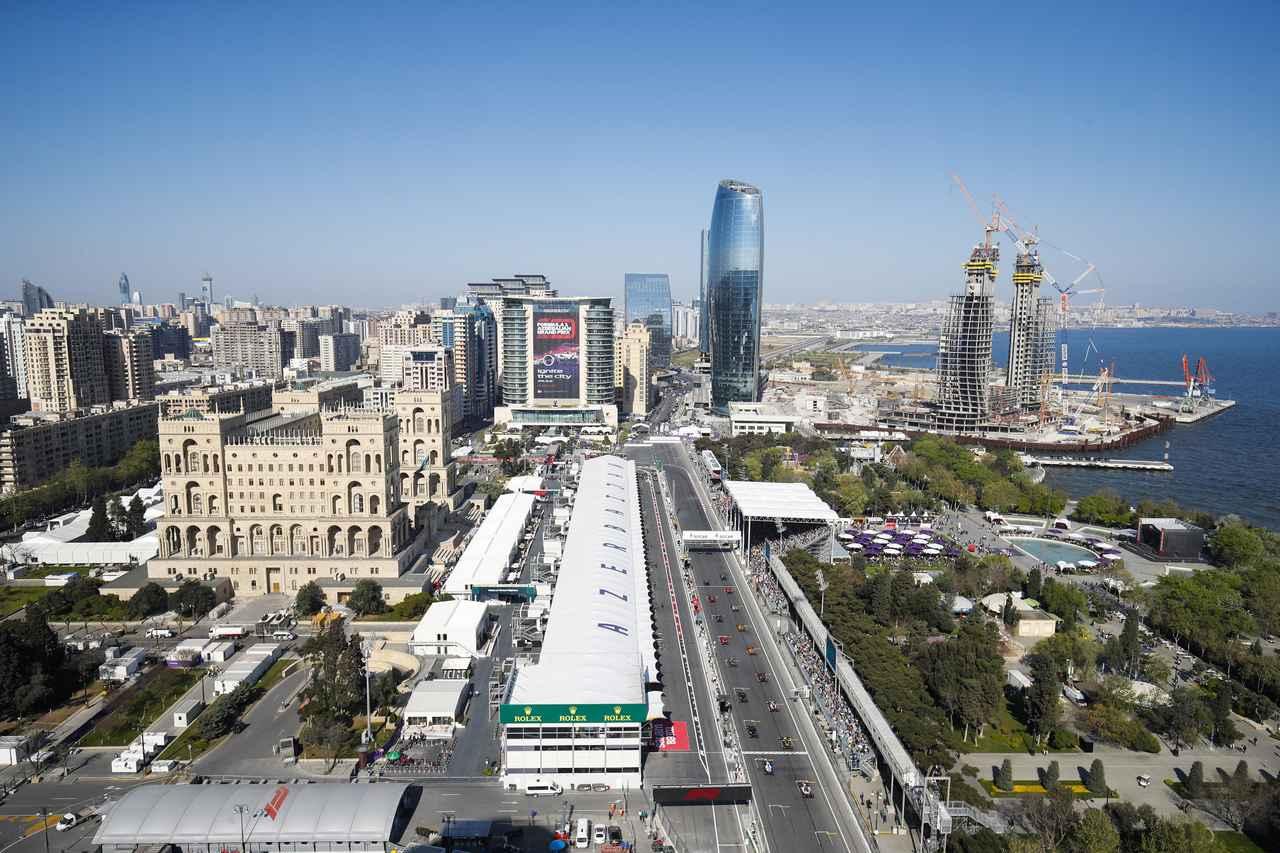Images : 1番目の画像 - 「F1アゼルバイジャンGP、またもメルセデスAMGが1-2フィニッシュ! レッドブル・ホンダは連続4位【モータースポーツ】」のアルバム - Webモーターマガジン