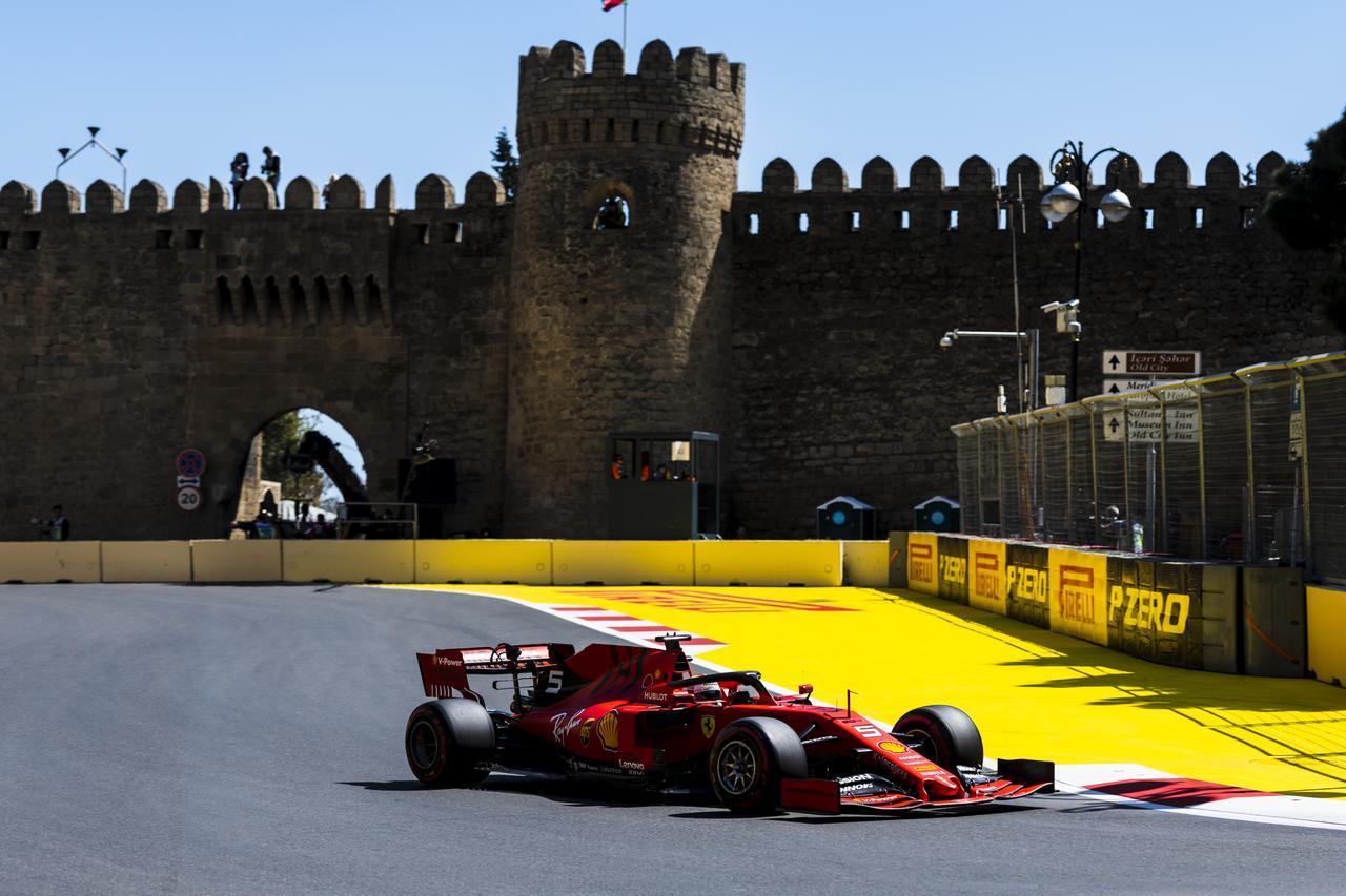 Images : 16番目の画像 - 「F1アゼルバイジャンGP、またもメルセデスAMGが1-2フィニッシュ! レッドブル・ホンダは連続4位【モータースポーツ】」のアルバム - Webモーターマガジン