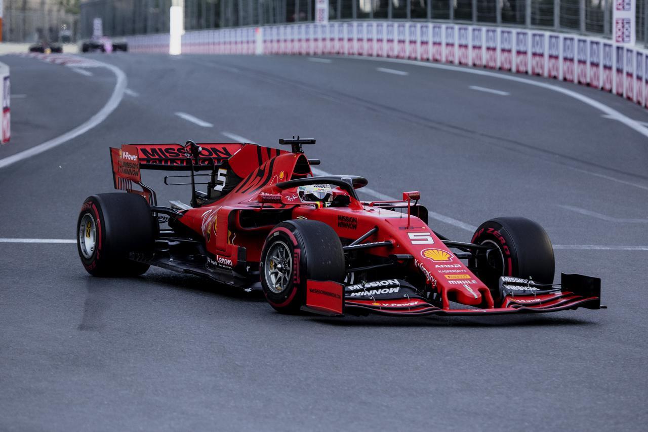 Images : 17番目の画像 - 「F1アゼルバイジャンGP、またもメルセデスAMGが1-2フィニッシュ! レッドブル・ホンダは連続4位【モータースポーツ】」のアルバム - Webモーターマガジン