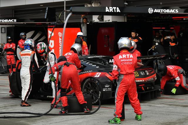 画像5: GAINER TANAX GT-Rが終盤の接戦を逃げ切り勝利!【スーパーGT選手権 Rd02】GT300クラス