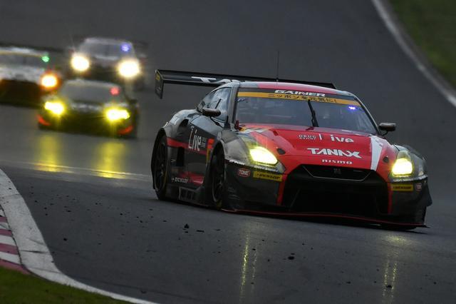 画像6: GAINER TANAX GT-Rが終盤の接戦を逃げ切り勝利!【スーパーGT選手権 Rd02】GT300クラス