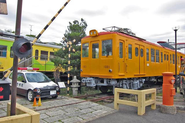 画像: 銚子電鉄の車両やTVドラマ撮影に使われたミニパトなど、まるで実物大のジオラマのよう。