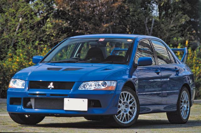画像: 前回紹介したインプレッサWRX STiよりサイズはわずかに大きいが、ホイールベースは短く車重は軽かった。