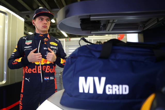 画像: メルセデスAMG、フェラーリと遜色のない走りを見せたマックス・フェルスタッペン。