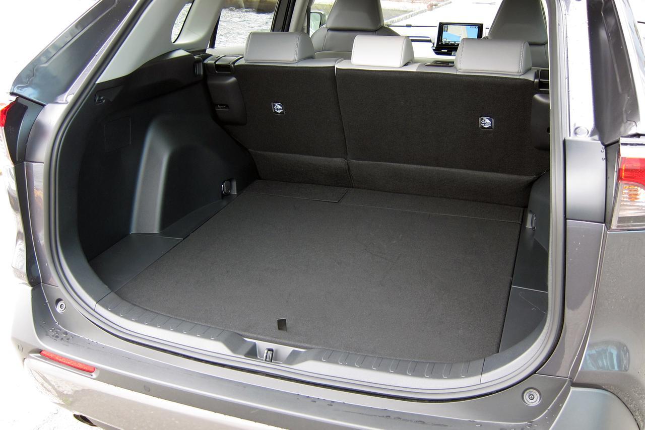 Images : 10番目の画像 - 「【試乗】新型トヨタ RAV4は、アメリカ留学で逞しくなって帰国したSUVか!」のアルバム - Webモーターマガジン