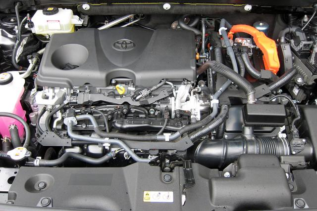 画像: システム最高出力で222psを発生する2.5Lエンジン+モーターのハイブリッドシステム。