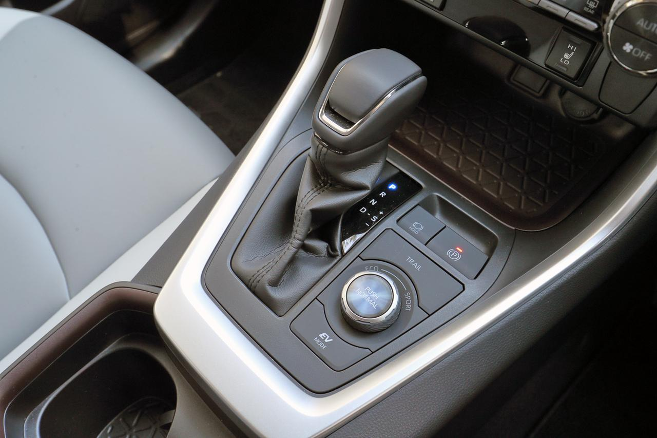 Images : 7番目の画像 - 「【試乗】新型トヨタ RAV4は、アメリカ留学で逞しくなって帰国したSUVか!」のアルバム - Webモーターマガジン