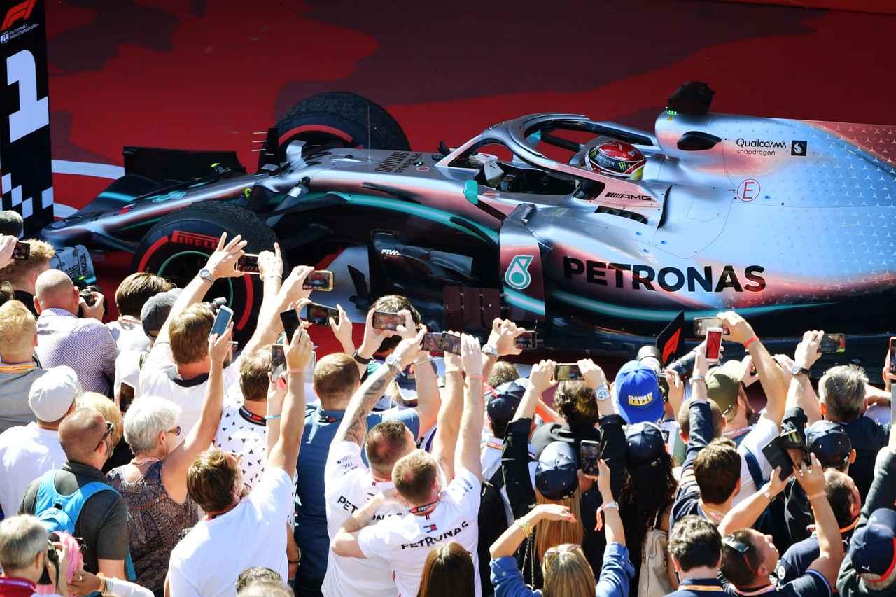 Images : 6番目の画像 - 「F1スペインGP、メルセデスAMGが開幕5連続1-2フィニッシュ、レッドブル・ホンダのフェルスタッペンが3位表彰台【モータースポーツ】」のアルバム - Webモーターマガジン