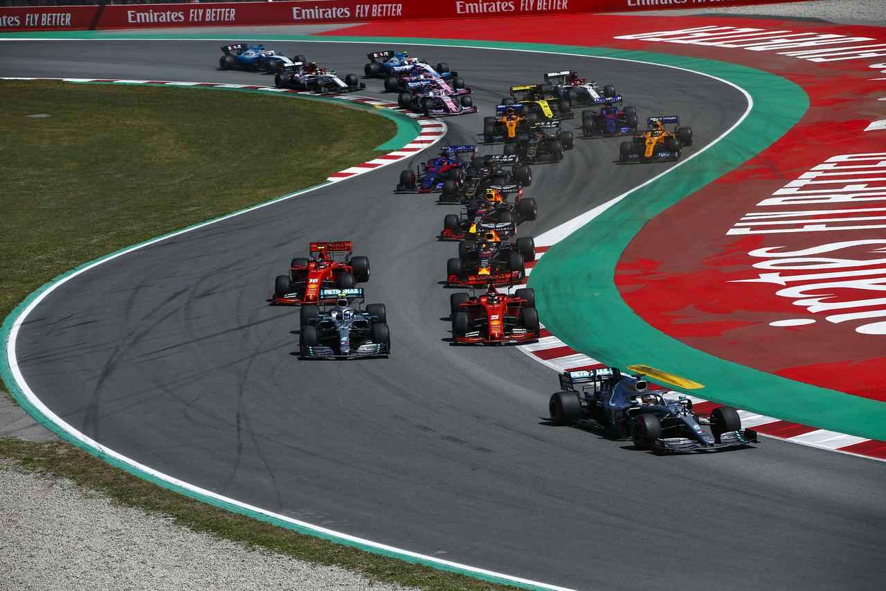 Images : 2番目の画像 - 「F1スペインGP、メルセデスAMGが開幕5連続1-2フィニッシュ、レッドブル・ホンダのフェルスタッペンが3位表彰台【モータースポーツ】」のアルバム - Webモーターマガジン