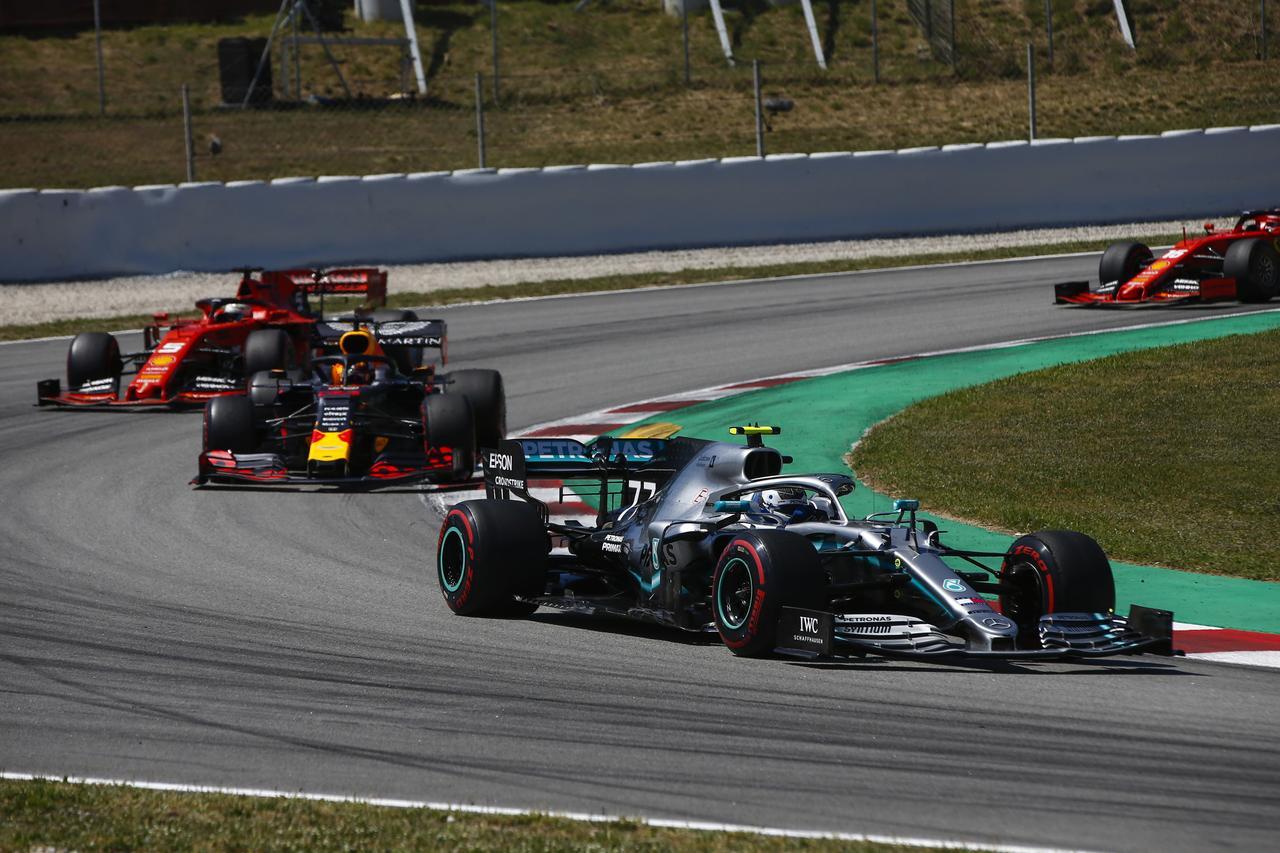Images : 3番目の画像 - 「F1スペインGP、メルセデスAMGが開幕5連続1-2フィニッシュ、レッドブル・ホンダのフェルスタッペンが3位表彰台【モータースポーツ】」のアルバム - Webモーターマガジン