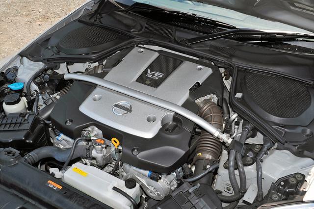画像: VQ35DEは2005年のMCでMT車の最高出力が294psまで引き上げられた。07年には313psを発生するVQ35HRに換装される。