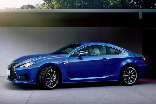 画像: RC F(オプション装着車、ボディカラーはヒートブルーコントラストレイヤリング)