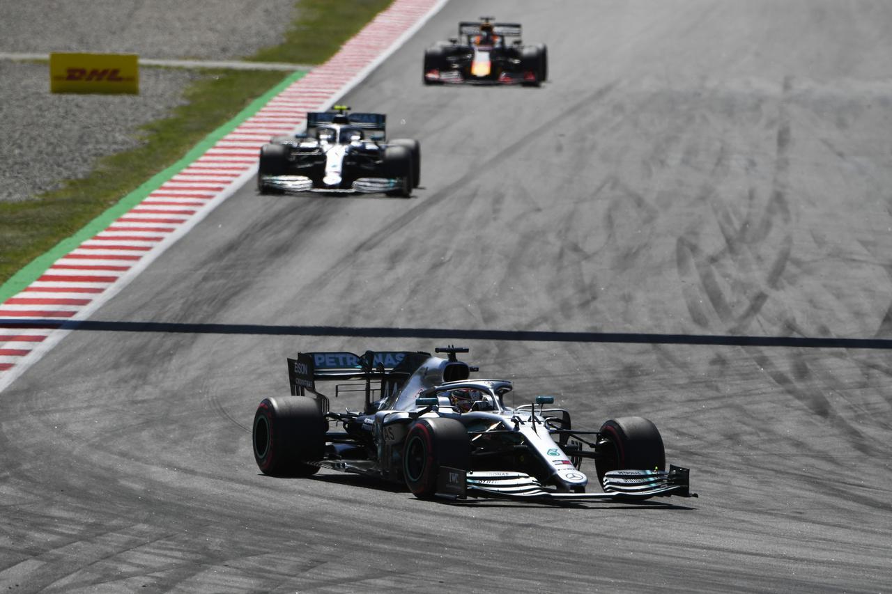 Images : 12番目の画像 - 「F1スペインGP、メルセデスAMGが開幕5連続1-2フィニッシュ、レッドブル・ホンダのフェルスタッペンが3位表彰台【モータースポーツ】」のアルバム - Webモーターマガジン