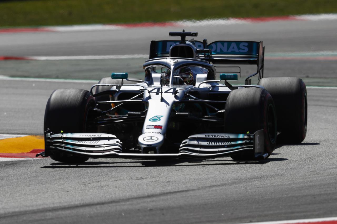 Images : 15番目の画像 - 「F1スペインGP、メルセデスAMGが開幕5連続1-2フィニッシュ、レッドブル・ホンダのフェルスタッペンが3位表彰台【モータースポーツ】」のアルバム - Webモーターマガジン