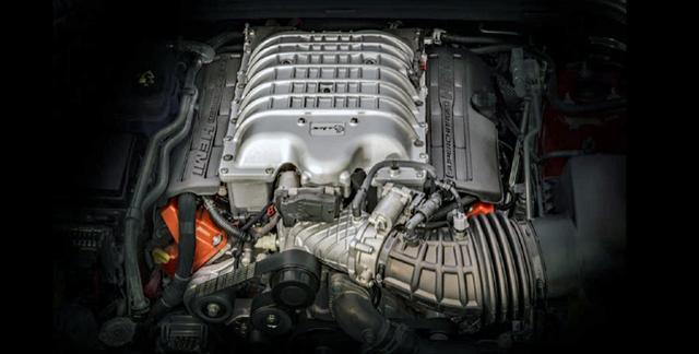 画像: 710psを発生する6.2LのスーパーチャージドV8エンジン