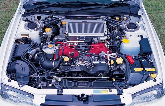 画像: エンジンは進化したBOXER MASTER-4をさらにチューンしたもので、トルクはノーマルWRXの33.5kgmから35.0kgmにアップ。