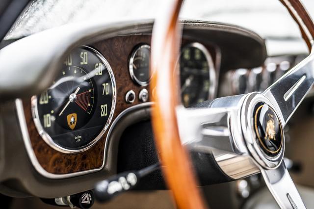 画像: ランボルギーニ3500GTZの内装。稀少価値と完璧なコンディションで審査員が全員一致で選出した。