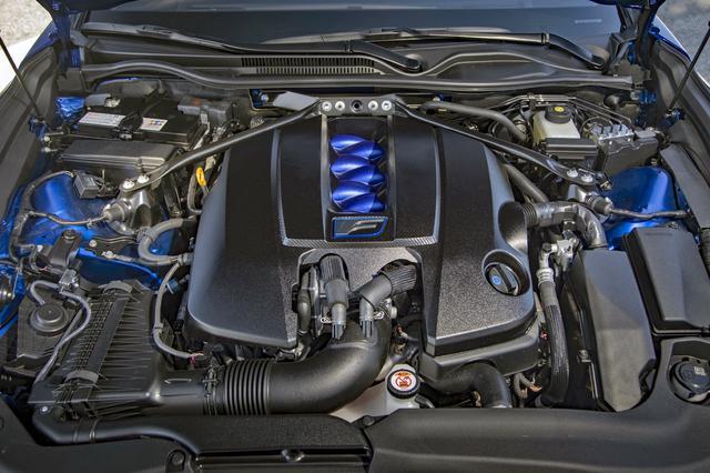 画像: 478psと535Nmを発生する5LのV8エンジンは基本的には変更されていない。