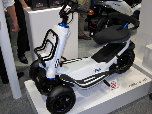 画像: ホンダの電動シニアカー、ESMO コンセプト。
