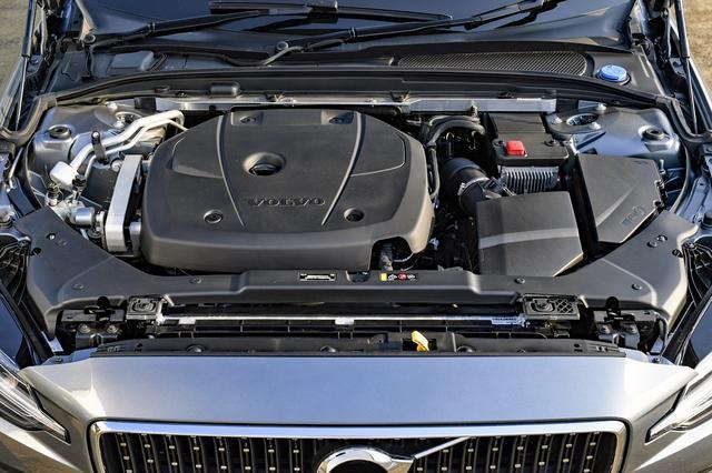 画像: T5系は254ps/350Nmを発生する2Lの直4直噴ターボエンジンに8速ATを組み合わせる。