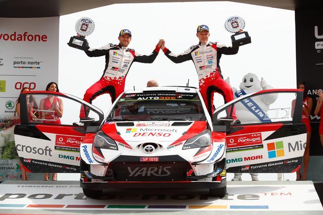 画像: ラリー・ポルトガルを制したオィット・タナック(右)/マルティン・ヤルヴェオヤ (トヨタ ヤリス WRC) 。