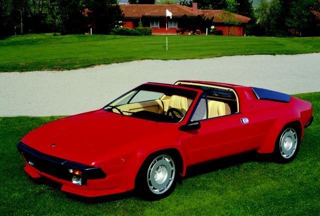 画像: シルエットの基本メカニズムをベースとしながら、生まれ変わったジャルパ。デザインはマセラティから移籍したジュリオ・アルフィエーリ。エンジンは3485ccに拡大された。