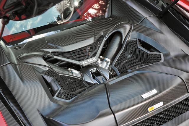 画像: V6ツインターボエンジンと3基のモーターによるシステム最高出力は581ps、システム最大トルクは646Nmを発生。