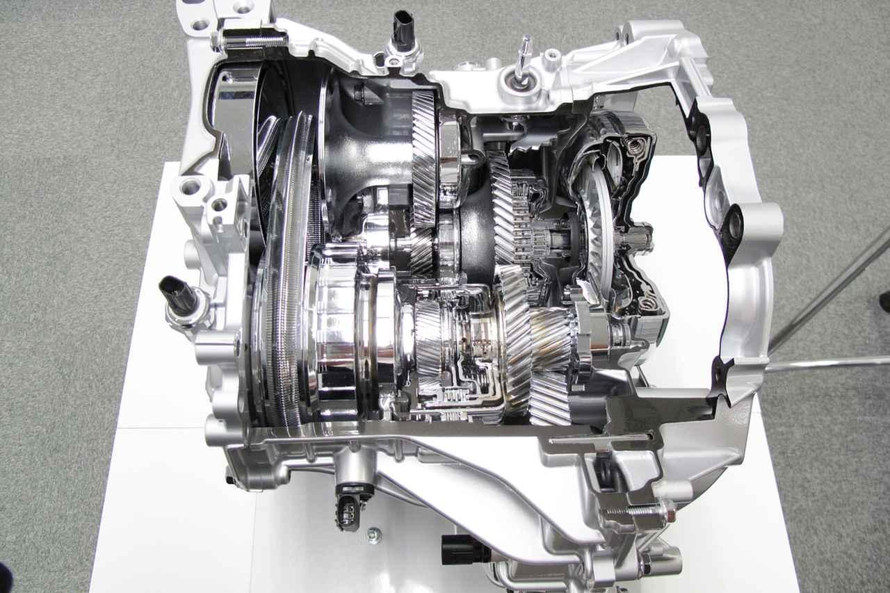 画像: ベルト+ギア駆動を採用するダイハツのD-CVT。