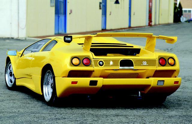 画像: 伝説の名車イオタをフューチャーしたディアブロSE35イオタ(1995)。