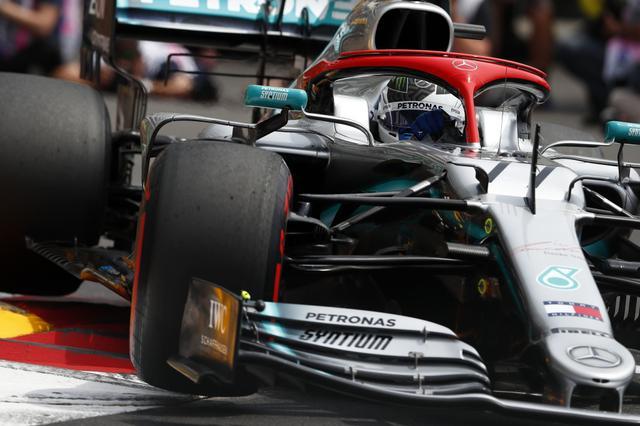 画像: 今シーズンのメルセデスAMGはパワーだけでなく、低速コーナーでの速さが注目されている。