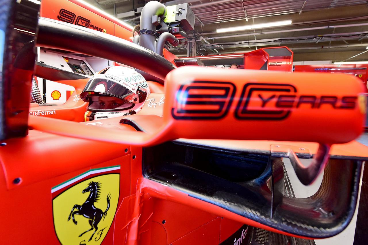 Images : 1番目の画像 - 「F1カナダGP、48周目、トップを走るヴェッテルになにが起こったのか【モータースポーツ】」のアルバム - Webモーターマガジン
