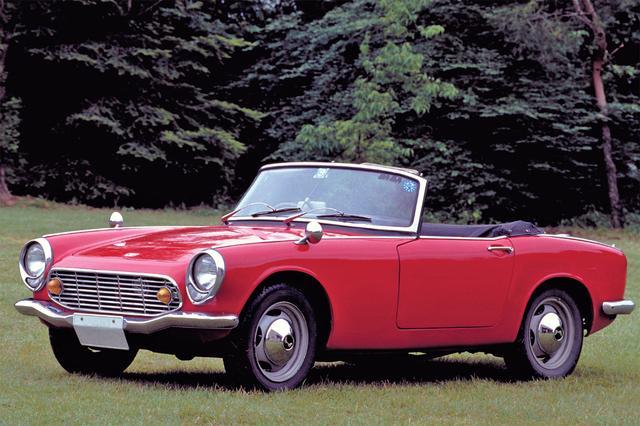 画像: 現代の660cc規格の軽自動車よりも小さい、コンパクトなスポーツカーだった。