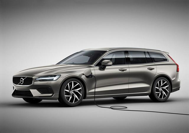 画像: V60 T6 Twin Engine AWD Momentum