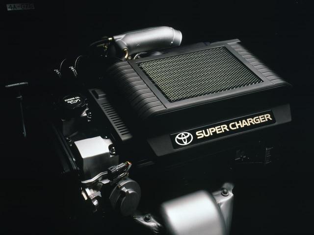 画像: 2リッター直4+スーパーチャージャーの4A-GZEエンジンはGT-Zグレードに搭載された。170ps/21.0kgmのスペックで5速MTと組み合わされ10モード燃費は11.8km/Lだった。