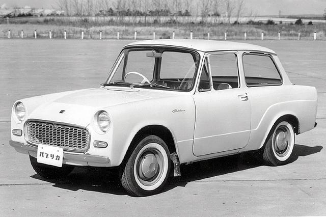 画像: 1961年のデビュー時は質実剛健が売りのパブリカだったが、チープすぎたのか不人気。63年秋にデラックスとコンバーチブルを追加して息を吹き返す。