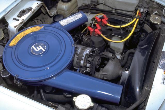 画像: 68年7月にマイナーチェンジされた後期型のエンジンは最高出力が18ps引き上げられ128ps/7000rpmとなった。