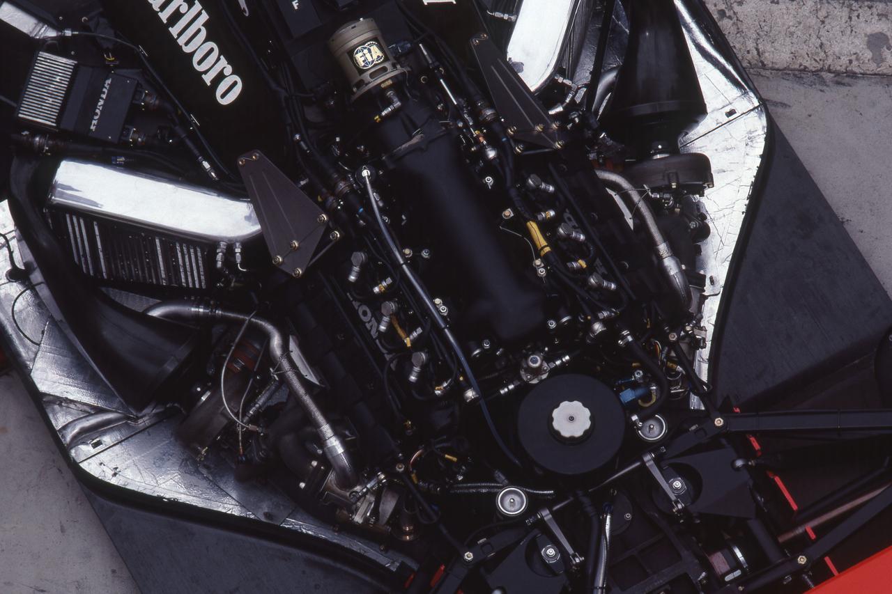 Images : 16番目の画像 - マクラーレン・ホンダ MP4/4(1988)McLaren Honda MP4/4 - Webモーターマガジン