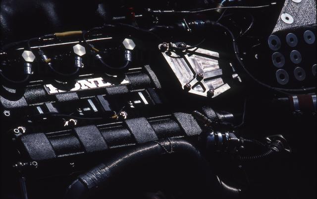 画像: ホンダの1.5Lターボの最終進化形となるRA168E。パワーや燃費ばかりではなく、低重心化、コンパクト化にも配慮して設計し直されていたが、ロータスはそれをうまく使いこなすことができなかった。