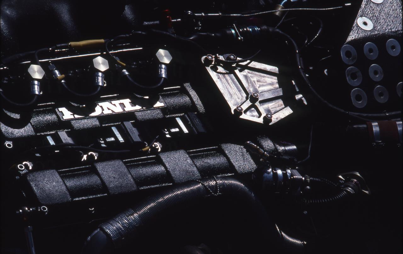 Images : 11番目の画像 - ロータス・ホンダ 100T Lotus Honda 100T(1988) - Webモーターマガジン