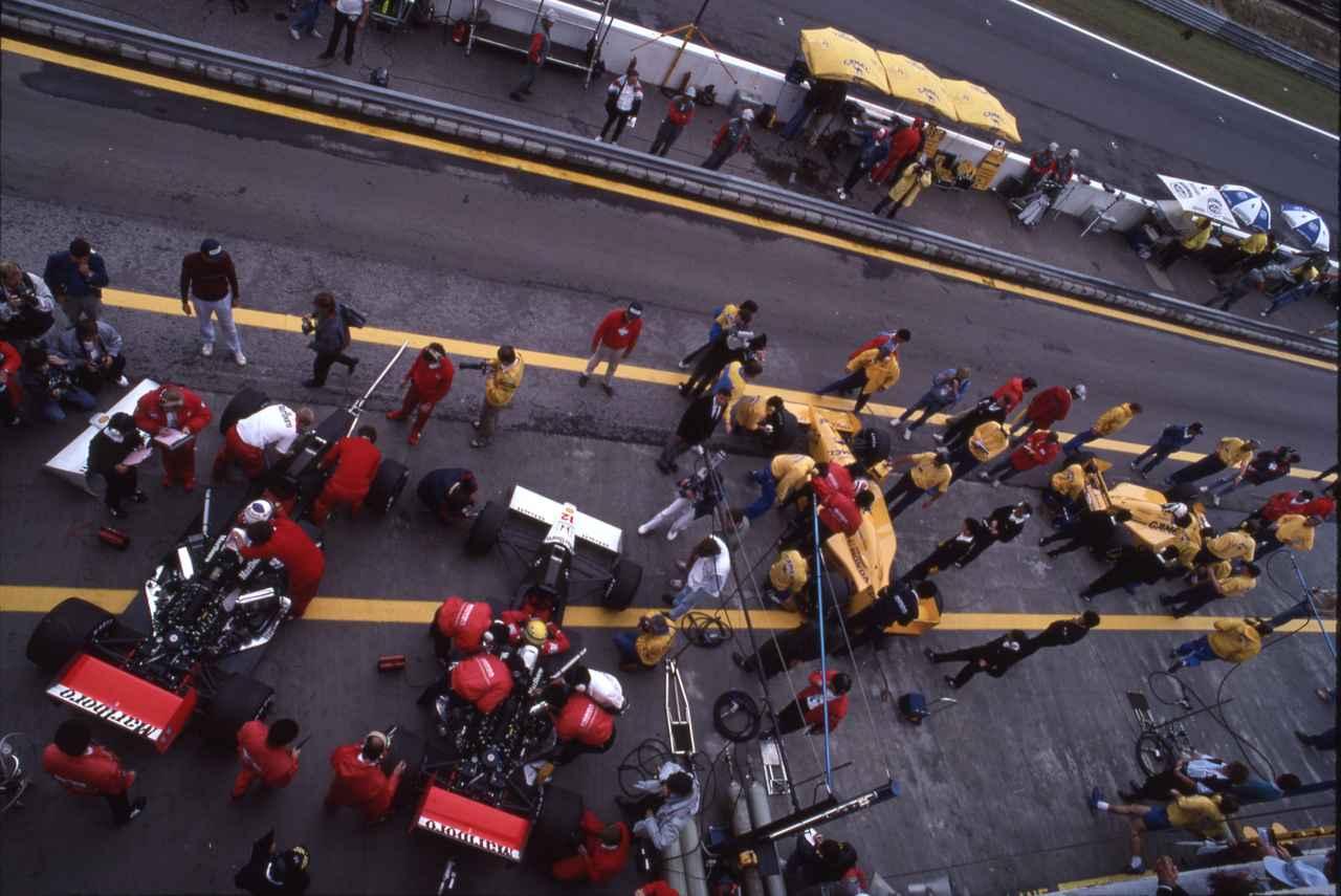 Images : 5番目の画像 - ロータス・ホンダ 100T Lotus Honda 100T(1988) - Webモーターマガジン