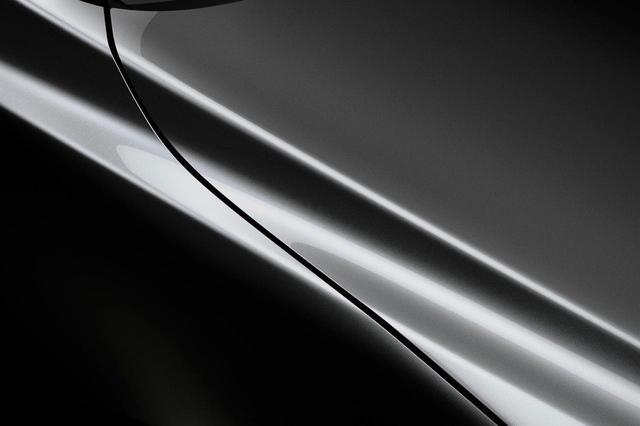 画像: マツダが有料色として設定しているマシーングレーメタリック。高い価格にはワケがある。