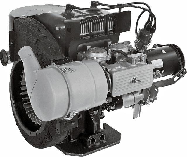 画像: エンジンは2サイクルの空冷2気筒。これをギリギリまでチューンし、最高出力は36ps。リッターあたりの出力に換算すると100ps。