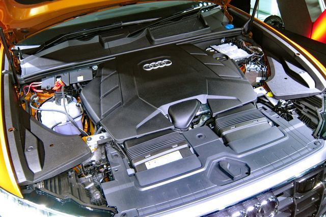 画像: 48V電源によるマイルドハイブリッドシステムを採用した3L V6 TFSIターボエンジン。