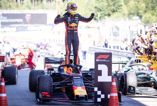 画像: 2019年F1第9戦オーストリアGPを制したレッドブル・ホンダのマックス・フェルスタッペン。この勝利がホンダのF1復帰後初勝利となった。